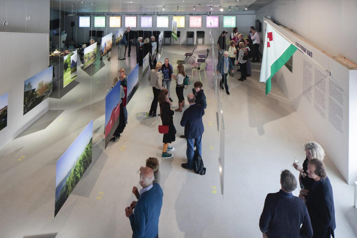 Freedomland_DenisGuzzo_Installation view_Amlere2013-7990