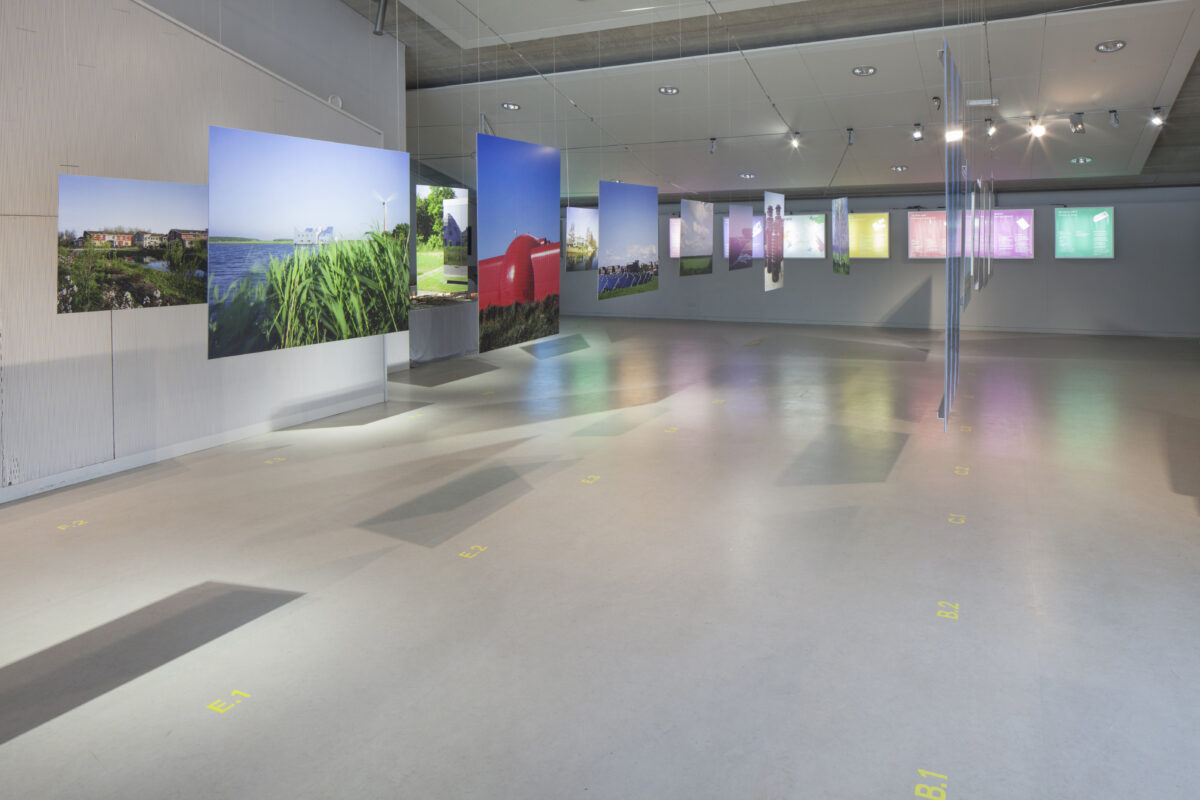 Freedomland_DenisGuzzo_Installation view_Amlere2013-8332